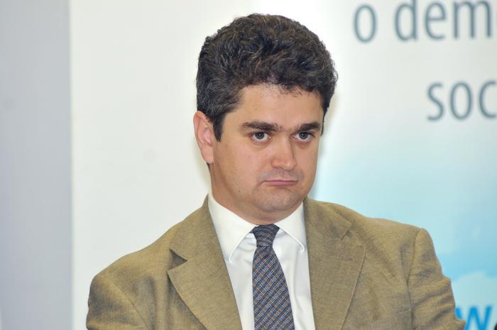Reprezentanţa Consiliului Europei din Bucureşti, dezbateri. În imagine, Theodor Paleologu