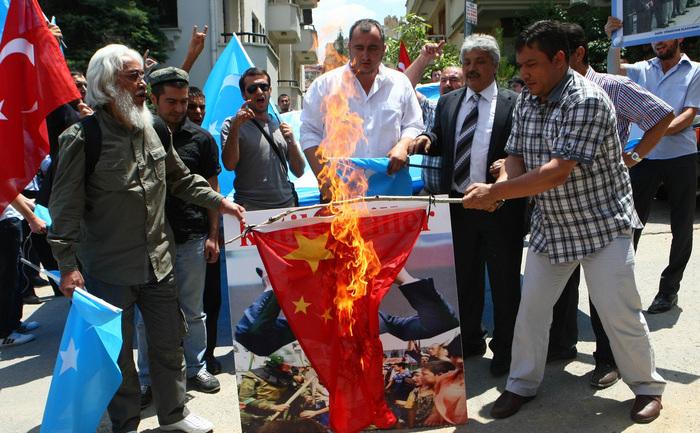 Protestele uigurilor din China.