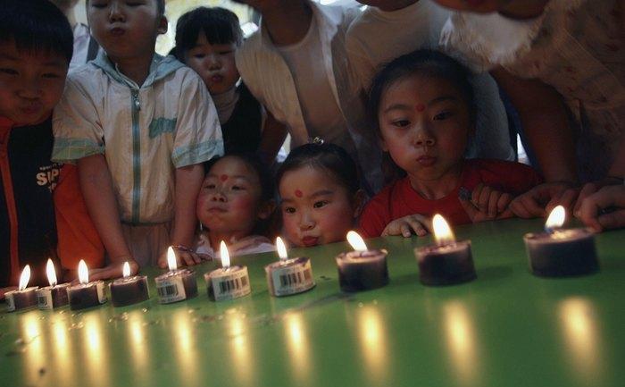 Legea unui singur copil, în vigoare în China, din 1979, a demonstrat în timp, toate dezavantajele sale, nu numai la nivel economic (cu riscul să deraieze întreaga ţară), dar şi social.