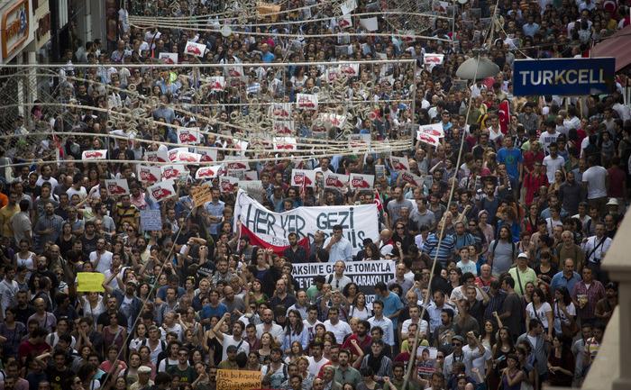 Proteste anti guvernamentale în Piaţa Taksim, 29 iunie 2013, Turcia