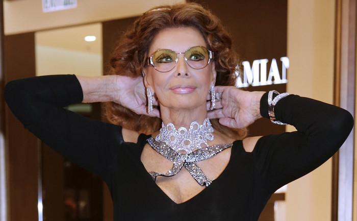Legendara actriţă italiană Sophia Loren.