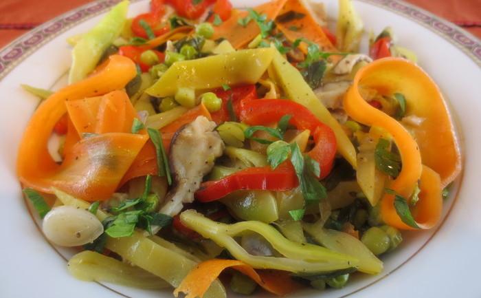 Mâncare cu legume de sezon