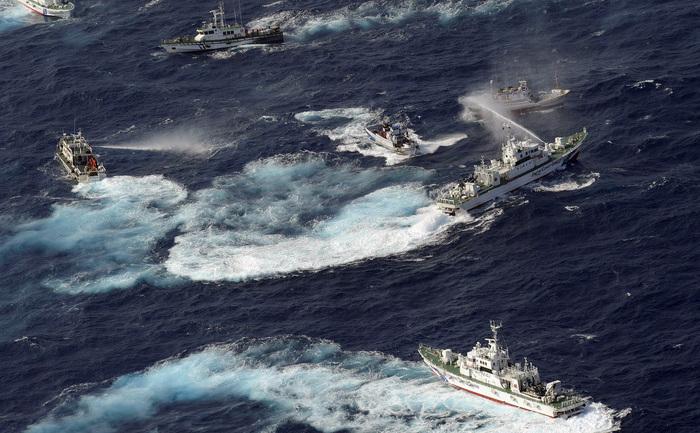 Nave chinezeşti în apele insulelor Senkaku, 10 august 2013.