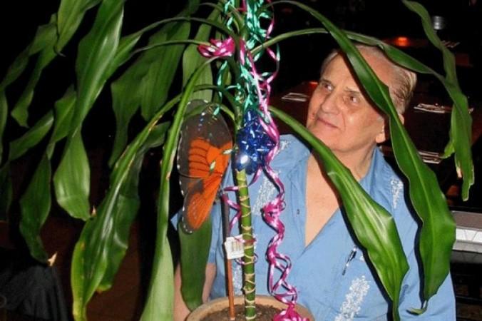 Fereastra către percepţia primară: Cleve Backster şi-a început experimentele cu planta Dracaena.
