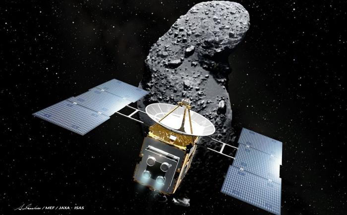 """Această imagine, ilustrată de Akihiro Ikeshita şi eliberată de Japonia Aerospace Exploration Agency (JAXA), este sonda spatială """"Hayabusa"""" şi un asteroid, numit Itokawa, în spaţiu. Hayabusa, este prima navă spaţiala care a adus acasă materii prime de la un asteroid. Capsula a aterizat cu o paraşută, la 13 iunie, în Australia."""