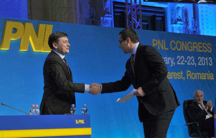 Crin Antonescu, preşedinte PNL şi Victor Ponta, preşedinte PSD