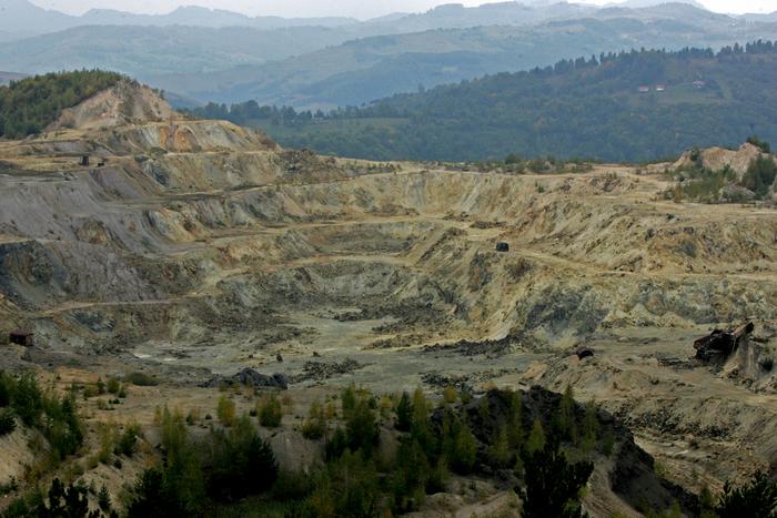 Roşia Montană, exploatare minieră auriferă