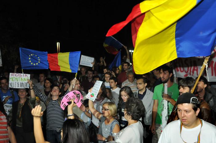 Protest împotriva proiectului de exploatare de la Rosia Montana. Piaţa Universităţii, Bucureşti