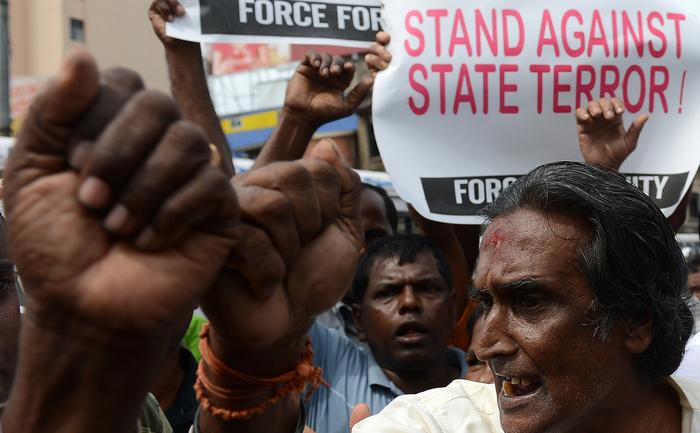 Activişti din Sri Lanka la manifestaţia din Colombo la 30 august 2013, care a avut loc pentru a marca Ziua Internaţională a dispăruţilor.