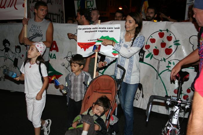 Proteste pentru salvarea Roşiei Montane - 8.09.2013-Bucureşti