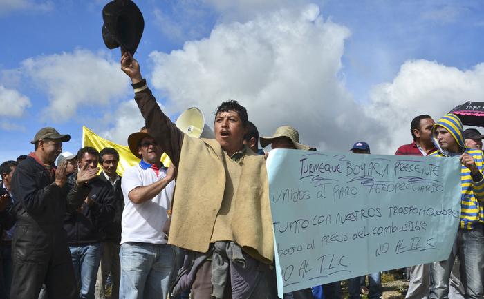 """Columbia: seminţele locale """"în afara legii"""" în revoltă ţăranii"""
