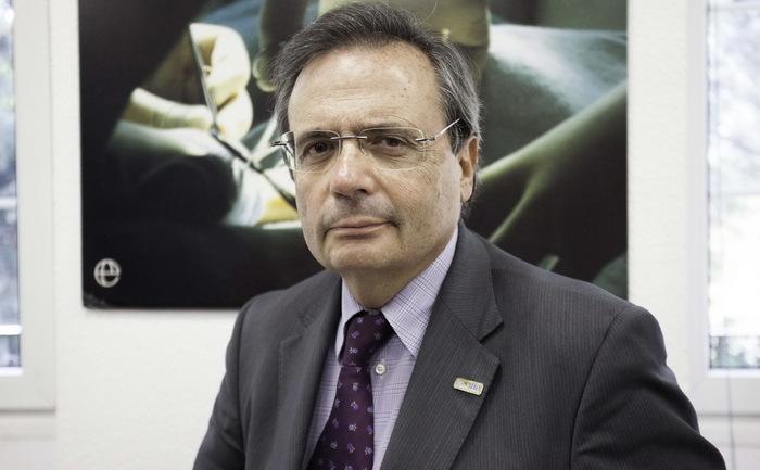 Rafael Matesanz, director al Organizaţiei Naţionale de Transplant (ONT) din Spania, la sediul central al ONT din Madrid, Spania