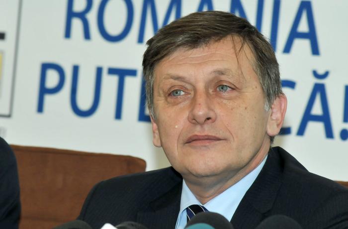 Declaraţii de presă la sediul USL. În imagine, Crin Antonescu