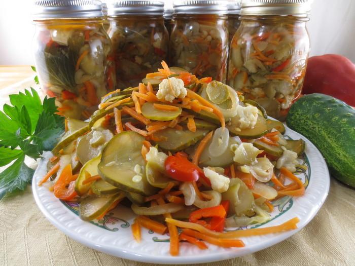 Salată asortată în oţet