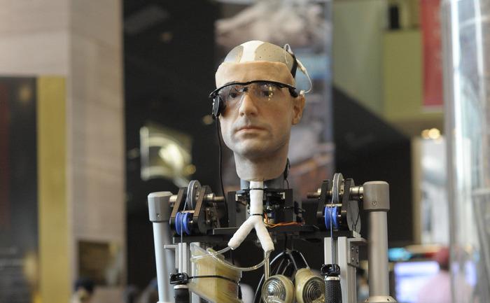 Omul Bionic, la Muzeul Naţional Smithsonian al Aerului şi Spaţiului, 17 octombrie 2013, Washington.