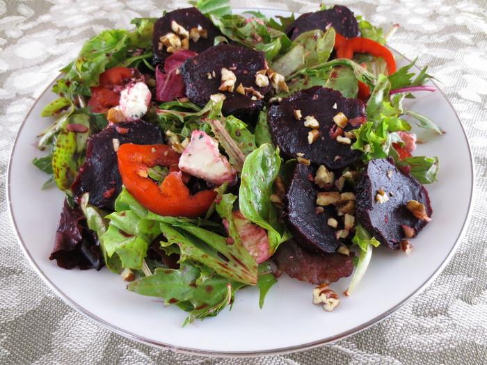Salată cu sfecla roşie