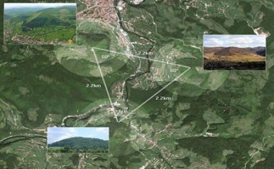 Triunghiul format de Piramidele Lunii, Soarelui şi Dragonului din Visoko, Bosnia.