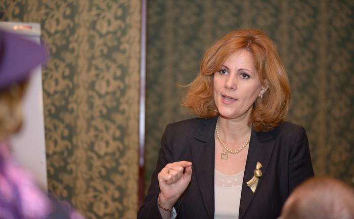 Gina Sturdza la prezentarea cărtii Organele Statului la Hotel Capitol, Bucureşti, 25 noiembrie 2013
