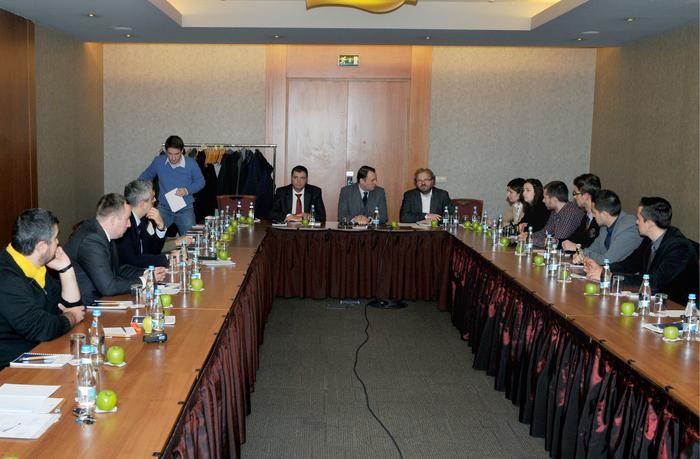 """Dezbateri cu tema """" Săracă ţară bogată. Responsabilităţile economice """", organizate de Fundaţia Konrad Adenauer din România."""