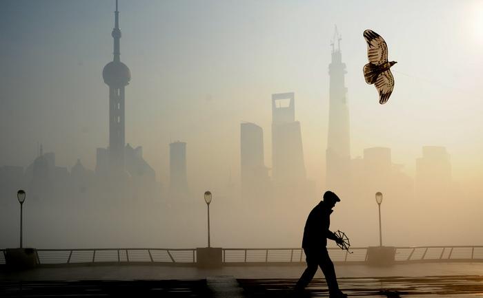 China: Shanghai închide şcolile pentru prea mult smog, 6 decembrie 2013