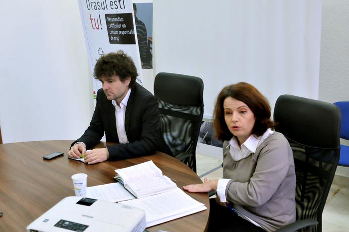 """Conferinţă de presă susţinută la Sediul ActiveWatch de Nicuşor Dan şi Ştefania Simion cu privire la """" abuzurile de la Pungeşti"""""""