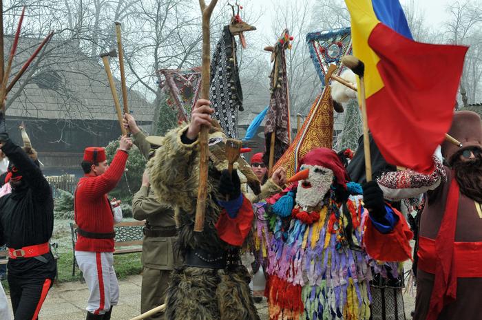 """Festivalul de datini şi obiceiuri de Crăciun şi Anul Nou """" Florile Dalbe"""" desfăşurat la Muzeul Naţional al Satului """" Dimitrie Gusti """""""
