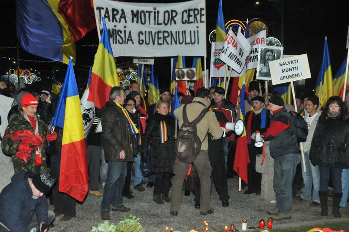 21 Decembrie, comemorare şi proteste în Bucureşti