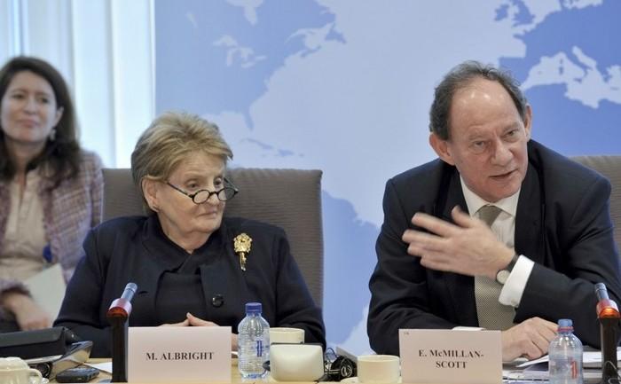 Edward McMillan-Scott, vice-preşedinte Parlament European şi Madeline Albright, fost secretar de stat SUA
