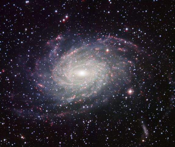 Câmpul galaxiei NGC 6744, este similar cu Calea Lactee