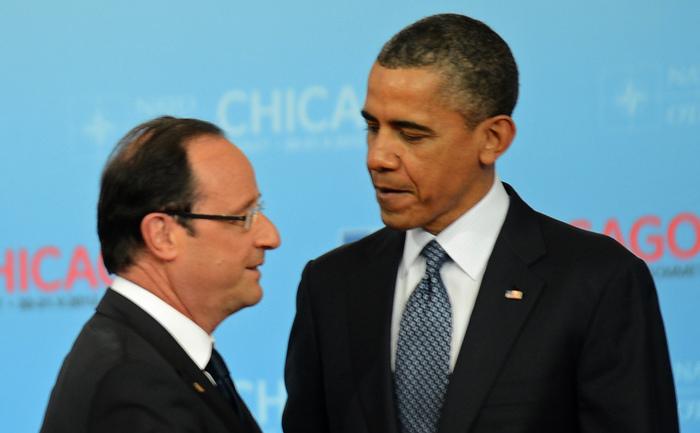 Preşedintele american Barack Obama şi omologul său francez Francois Hollande.