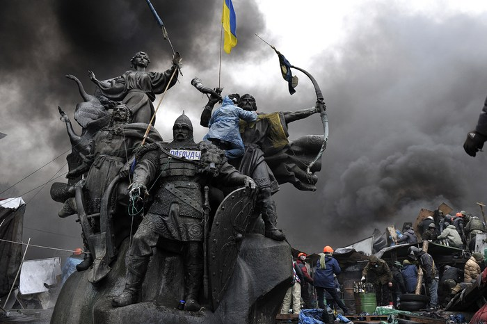 Trecut şi prezent eroic la Kiev, 20 februarie 2014