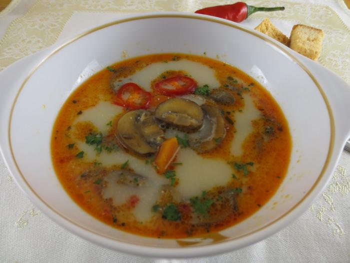Ciorbă de ciuperci cu usturoi