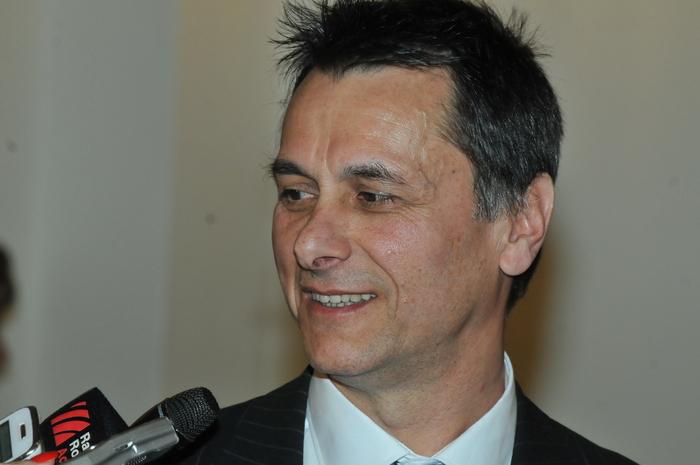 Audieri în comisiile parlamentare a miniştrilor propuşi spre validare. În imagine, Bogdan-Dragoş-aureliu Marian-Stanoevici, Ministru delegat pentru Romînii de Pretutindeni.