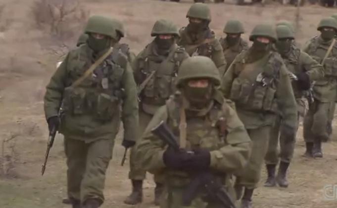 Forţele armate ruseşti din peninsula Crimeea, Ucraina.