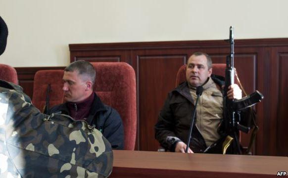 Forţele pro-Rusia din Luhansk, Ucraina.
