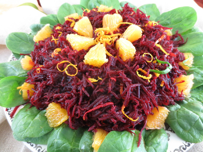 Salată de sfeclă roşie cu portocale