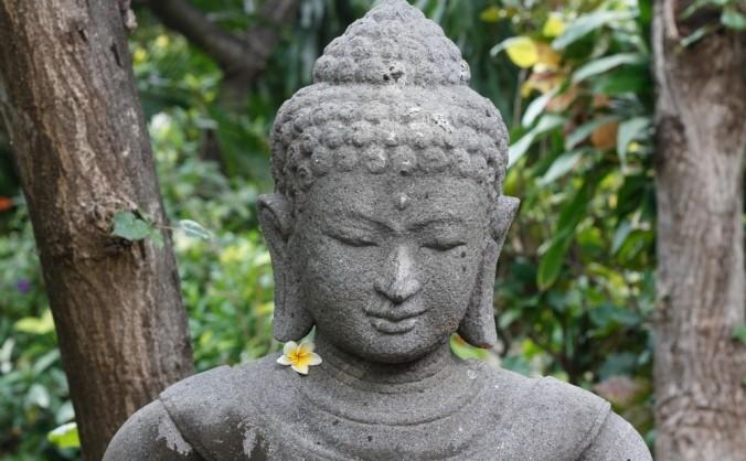 Buddha în practica de meditaţie.