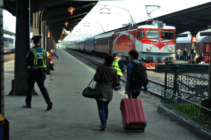 Gara de Nord, trenuri şi călători