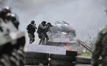 Forţele speciale ucrainene în Sloviansk, Ucraina. 25 aprilie 2014.