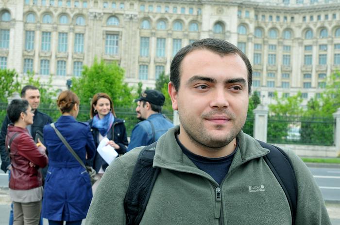 Pichetare, protest la Parlament. În imagine, Marius Florian Vasile