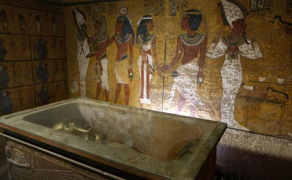 Sarcofagul Regelui Tutankamon