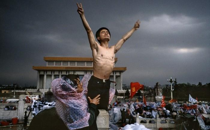 Protestele pro-democraţie din Tiananmen, 4 iunie 1989