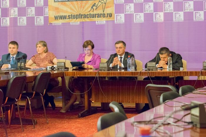 Conferinţă pe tema gazelor de şist, Palatul Parlamentului, Dr. Sandra Steingraber organizată de asociaţia România fără Ei, 10 iunie 2014, Bucureşti
