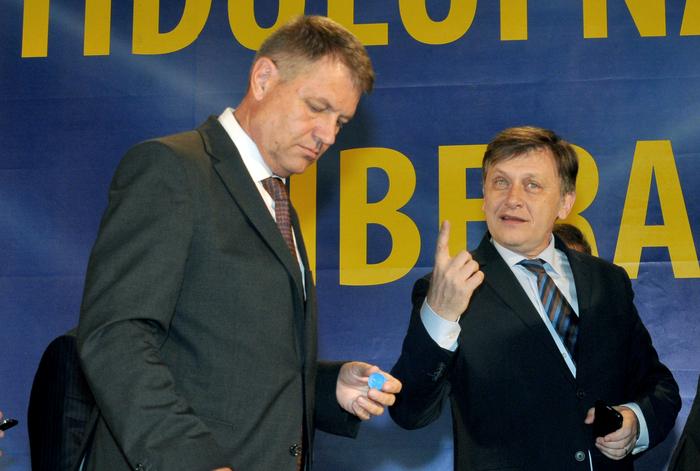 Klaus Iohannis, preşedintele PNL şi Crin Antonescu, fost preşedinte PNL