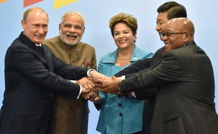 Liderii ţărilor BRICS, în Fortaleza, Brazilia, 15 iulie 2014