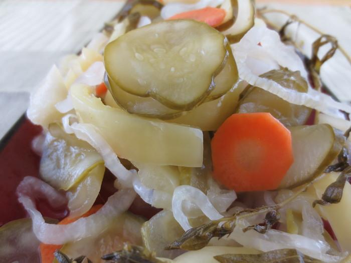 Salată de castraveţi pentru iarnă