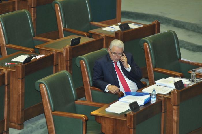Ilie Sârbu la şedinţa din Plenul Senatului