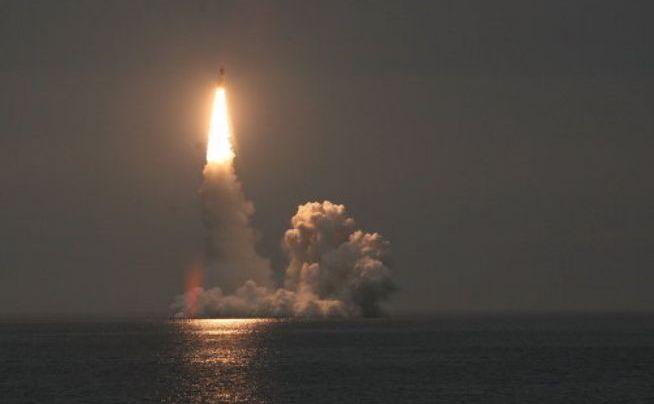 Testul unei rachete Bulava de pe submarinul nuclear Iuri Dolgoruki, arhivă.