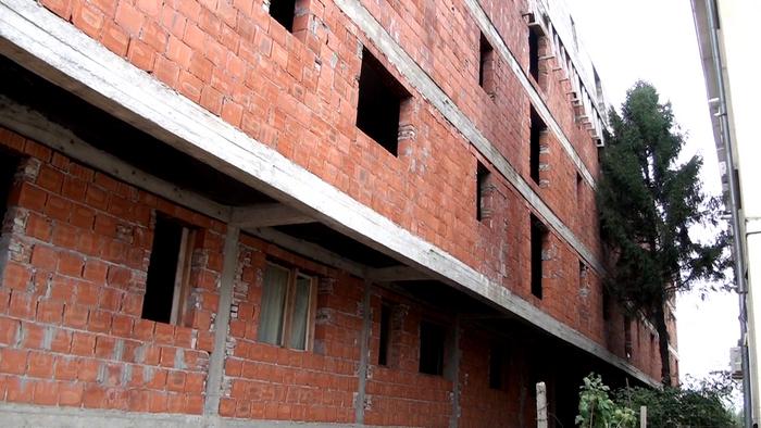 Blocul a cărui demolare au obţinut-o cetăţenii din Giurgiului 164