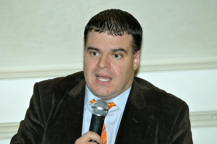 Şerban F. Cioculescu,cercetător ştiinţific la Institutul pentru Studii Politice de Apărare şi Istorie Militară din Bucureşti